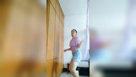 watch me work舞蹈模仿视频
