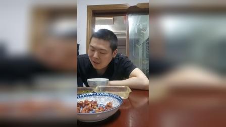 宫保鸡丁香辣美味番茄炒蛋江苏小伙品尝美食