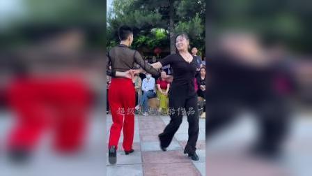 果果和母子共舞,好美好帅!