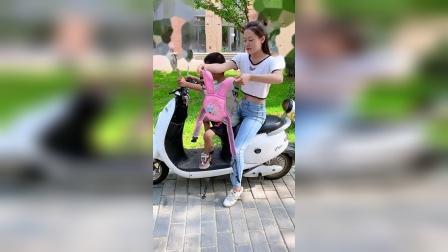 有了这个骑行安全带,再也不怕宝宝掉路上了