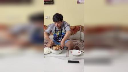 媳妇做的鸡肉不给我吃,那能难住我吗?