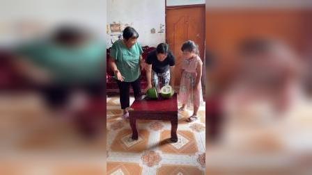买的明明是西瓜,怎么变成冬瓜了?