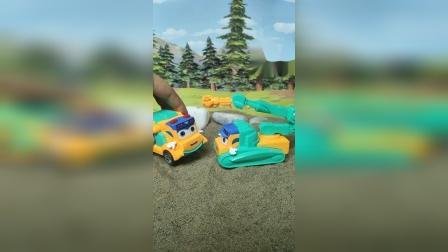 益【。;。;。;。。;。;。;;】智玩具:维修车给吊车车治病