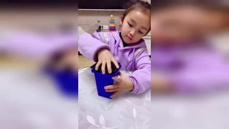 趣味童年:我怎么变出来一个臭袜子,哼