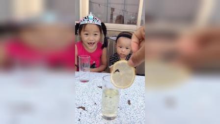 小朋友知道妹妹和弟弟的奶茶被谁喝了吗?