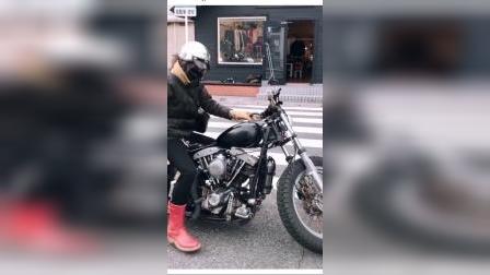 日本妹子发动摩托