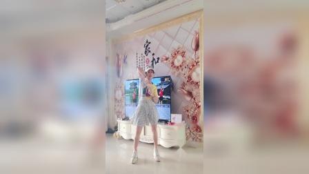 时尚健身舞【逍遥走】演示。华之星广场舞  阿华