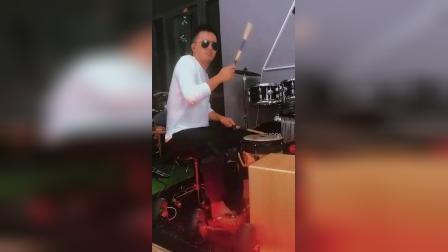 凯文先生小芳非洲鼓箱鼓花式架子鼓