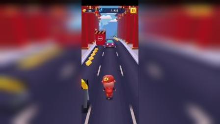 趣味小游戏:猪猪侠和小呆呆出去玩,小呆呆还可以变身机器人